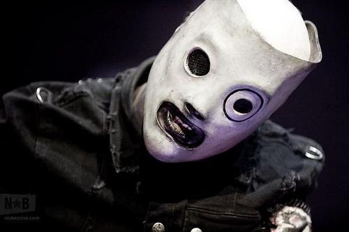 914e92822 Corey Taylor (Slipknot) anuncia que una nueva máscara está en camino ...